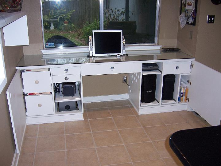 desk w/doors open