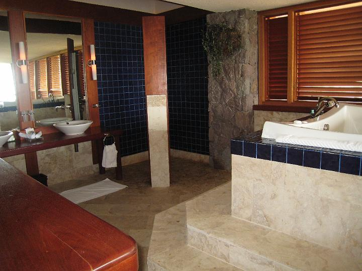 Jade Mountain Bathroom