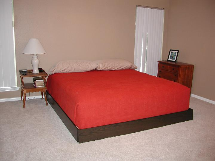 picture of (almost) complete platform bed